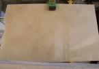 Giallo Egeo marmuro plokštė Plokščių matmenys: 262x157x2 cm Paviršiaus apdorojimas: poliruotas + užpildytas polesterine derva