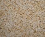 kiniškas granitas Rusty Yellow Smulkiai grūdėto šiltų gelsvų, rusvų ir rausvų atspalvių, netolygaus rašto granitas. Turimų gaminių matmenys: 120x60x2 cm plytelės poliruotu paviršiumi (2009-08)